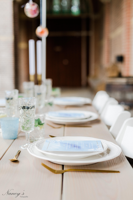 tafels op schragen