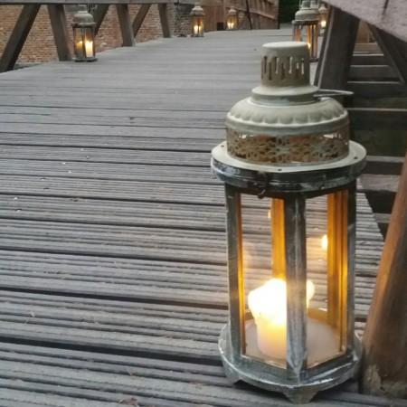 houten lantaarns